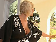 Boss, Blonde, Glasses, Housewife